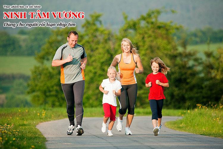 Tập thể dục, suy nghĩ tích cực là cách điều trị rối loạn thần kinh tim không dùng thuốc