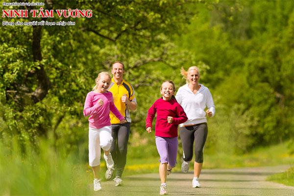 Vận động đều đặn để nâng cao sức khỏe cho trái tim