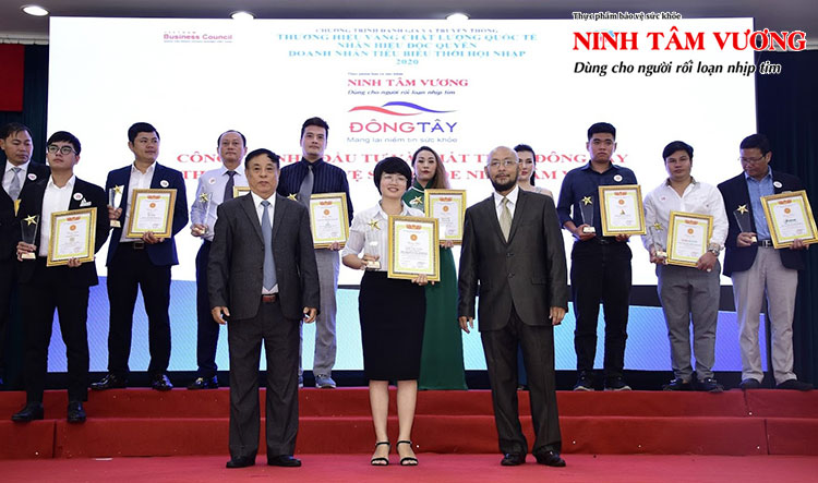 """Nhãn hàng Ninh Tâm Vương xuất sắc nhận giải thưởng """"Thương hiệu vàng - Chất lượng Quốc tế - Nhãn hiệu độc quyền 2020"""""""