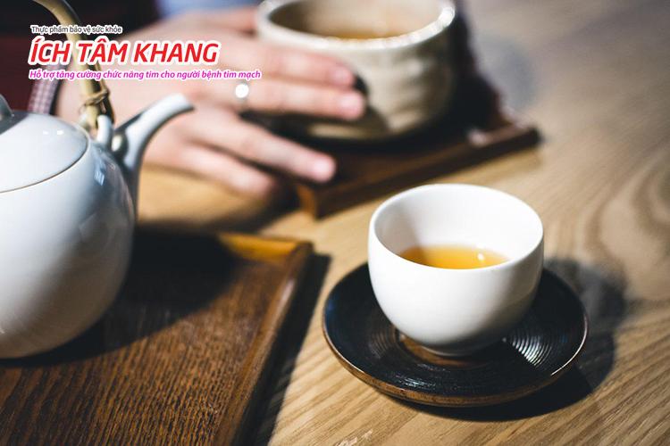Uống trà xanh mỗi ngày cũng là cách chữa bệnh mạch vành bằng đông y