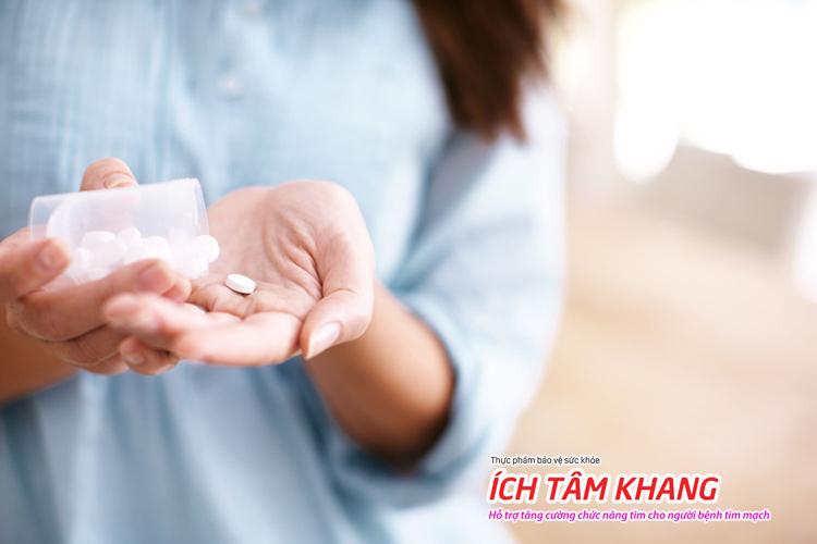 Bạn cần dùng thuốc theo hướng dẫn bác sĩ trước khi đặt stent mạch vành.