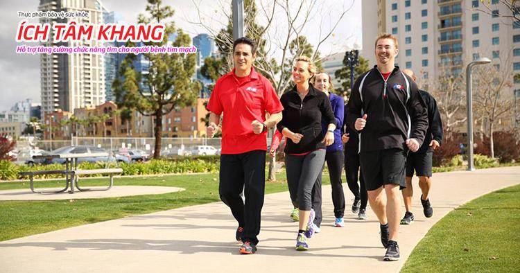 Người bệnh sau đặt stent mạch vành khi sức khỏe ổn định nên tập đi bộ nhanh