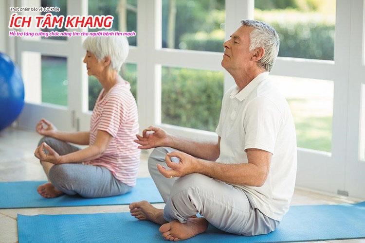 15 phút yoga hoặc thiền mỗi ngày giúp tinh thần thư thái