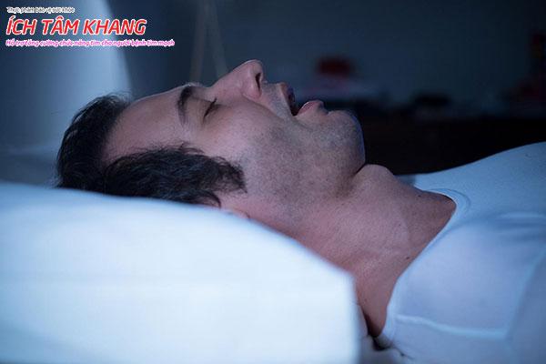Chứng ngưng thở khi ngủ cũng có thể là nguyên nhân suy tim ít ai ngờ tới