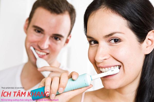Vệ sinh răng miệng tốt giúp phòng ngừa viêm nội tâm mạc
