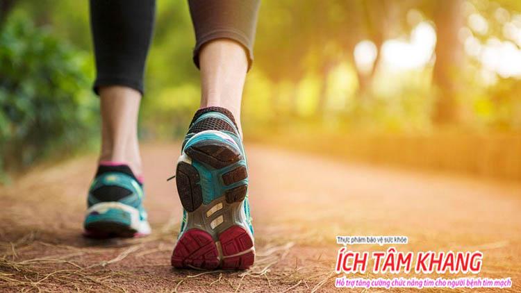 Đi bộ giúp cải thiện tuần hoàn máu, tăng cường chức năng tim