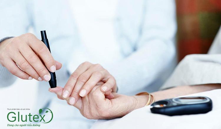 Trong thời gian sử dụng insulin người bệnh nên kiểm tra đường huyết một cách thường xuyên