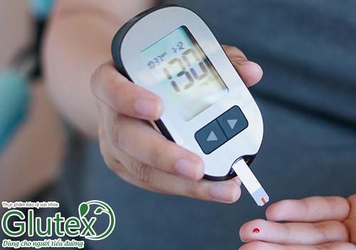 Kiểm soát đường huyết trong mức cho phép sẽ giúp kéo dài tuổi thọ của người tiểu đường