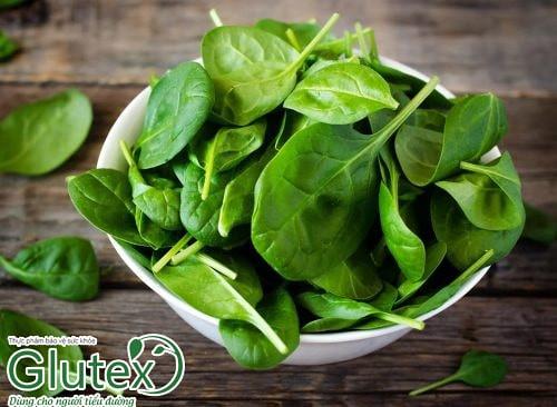 Rau lá xanh là thực phẩm không thể thiếu trong mỗi bữa ăn của người tiểu đường