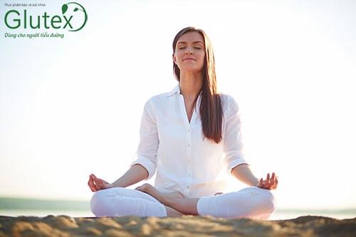 Yoga với các bài tập hít thở sẽ rất có ích cho bạn trong việc thư giãn tinh thần