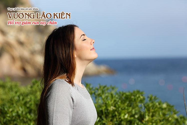 Thư giãn tinh thần là một cách chữa run tay khi hồi hộp hiệu quả