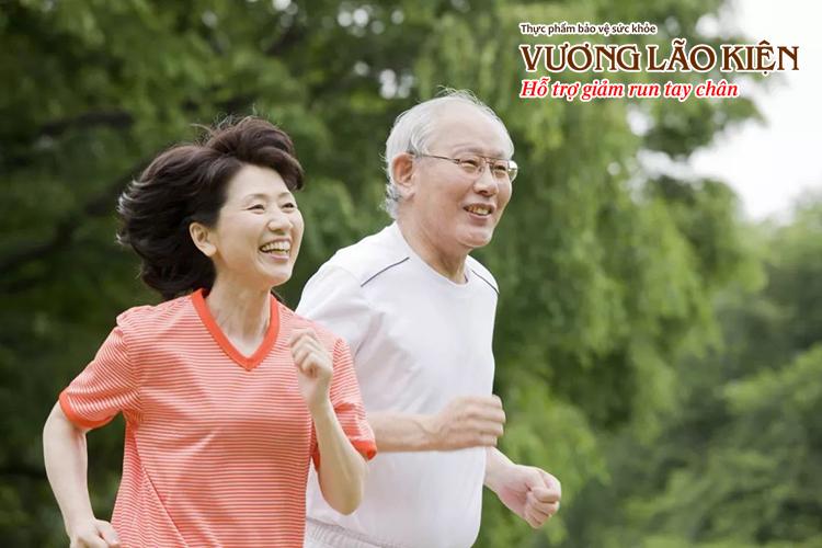 Tập thể dục là một liều thuốc tự nhiên giúp giảm run tay chân