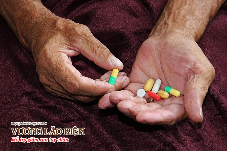Thuốc điều trị Parkinson là nguyên nhân chính gây hiện tượng ảo giác, hoang tưởng