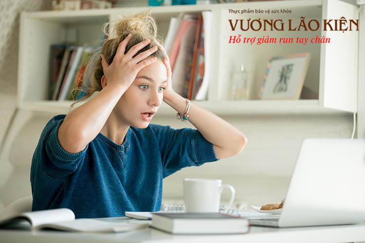 Stress, căng thẳng kéo dài cũng là nguyên nhân phổ biến gây nên hiện tượng run tay
