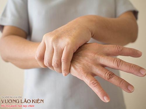 Run tay chân có thể xảy ra ở mọi lứa tuổi dù là người trẻ hay người già