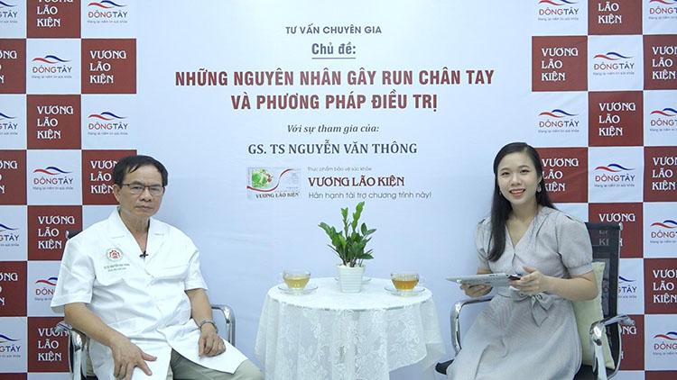 Giáo sư Thông trong buổi phỏng vấn cùng MC Kim Chi