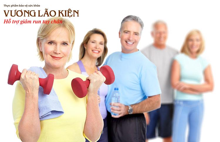 Tập thể dục mỗi ngày giúp các cơ bắp dẻo dai, linh hoạt, từ đó làm giảm run tay chân