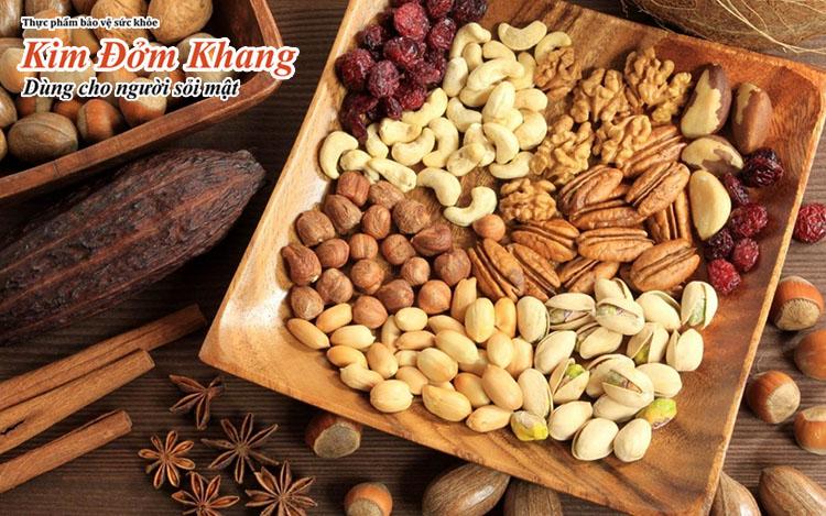 Hạt đậu phộng hoặc hạt điều giúp giảm nguy cơ sỏi mật