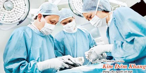 Sỏi gan kích thước lớn, gây biến chứng nghiêm trọng cần thực hiện phẫu thuật