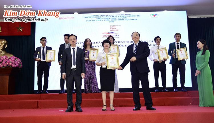 """TPCN Kim Đởm Khang vinh dự nhận giải """"Thương hiệu vàng quốc tế"""" năm 2020"""