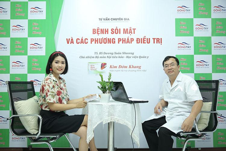 MC Trần Hằng trong buổi phỏng vấn cùng TS. BS. Dương Xuân Nhương