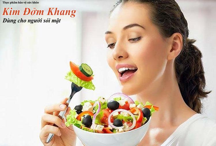 Sau cắt túi mật nên hạn chế ăn chất béo và tăng cường rau xanh, trái cây