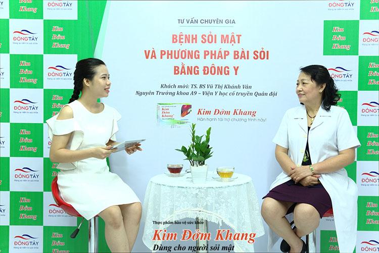 TS. BS Vũ Thị Khánh Vân trong buổi phỏng vấn với MC Kim Chi
