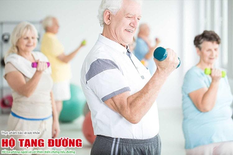 Rèn luyện thể lực đều đặn giúp giảm kháng insulin.