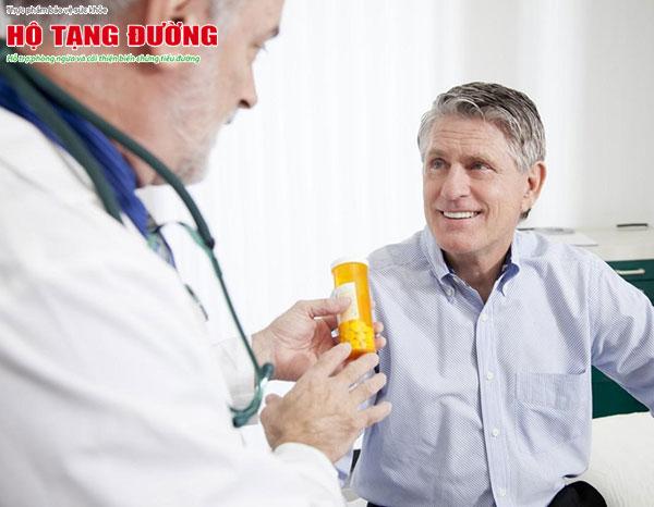 Thăm khám và sử dụng thuốc trị nhiễm trùng đường tiểu sớm