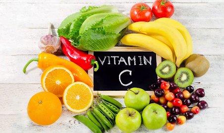 nen-bo-sung-vitamin-c-khi-bi-zona.png