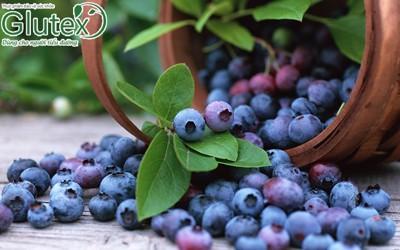 Khi mắc bệnh tiểu đường nên ăn trái cây nguyên quả hay uống nước ép?