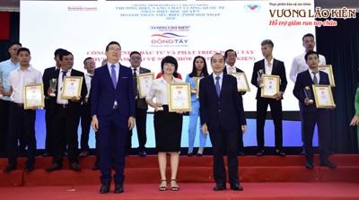 """Giải thưởng """"Thương hiệu vàng - Chất lượng quốc tế 2020"""" dành cho TPBVSK Vương Lão Kiện"""